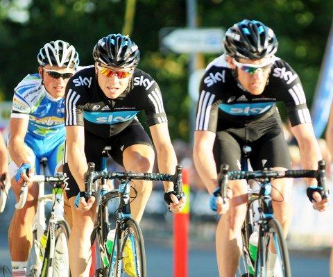 Edvald Boasson Hagen og Lars Petter Nordhaug  syklet side om side under Sandefjord Grand Prix i fjor. Men i år blir de ikke å se i løpet.