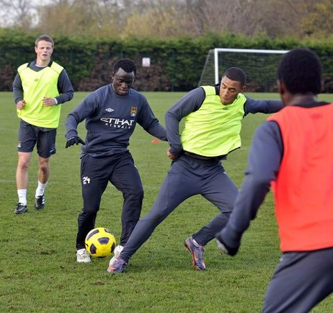 Mohammed Abu er første resultat av samarbeidsavtalen mellom Manchester City og Strømsgodset. City er fornøyd med utviklingen til Abu i SIF, og det kan åpne for at flere unggutter kommer til Drammen på lån neste sesong. Her er Abu i aksjon under gårsdagens reservelagstrening.