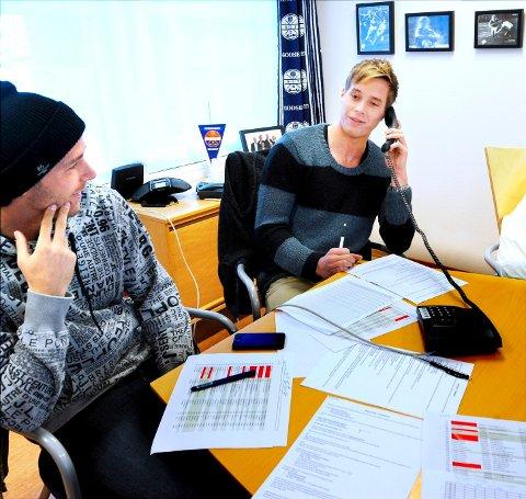 Anders Ågnes Konradsen og Krister Aunan (t.v.) var i dag på tråden til tidligere sesongkortinnehavere i GodsetUnionen.