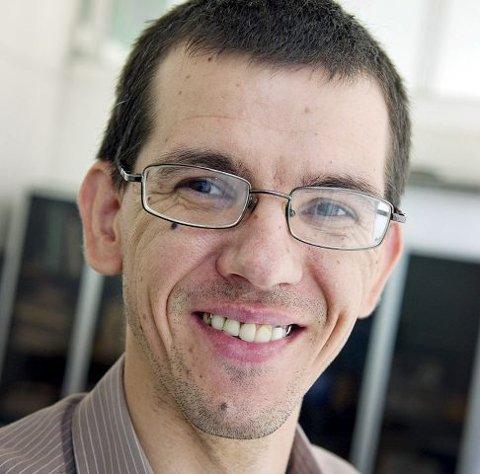 SOSIALARBEIDER: Daniel Andreè er talsmann for sosialkontoret i Targu Jiu når det kommer utenlandske gjester.