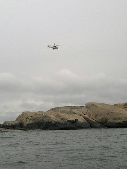 Et Sea King helikopter er satt inn i søket. Foto: Terje Larsen