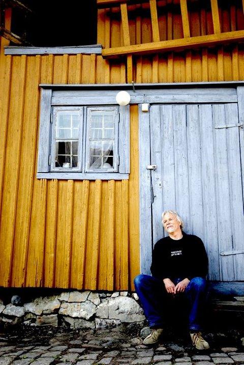 I NY UTGAVE: Etter at Gyldendal og Publicom ble enige, kunne  Jan Mehlum endelig utgi sine samlede verker. Foto: Peder Gjersøe