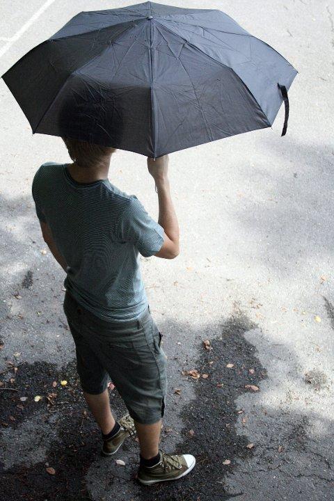 Det blir behov for både t-skjorte og paraply den kommende uken, ifølge meteorologenes varsel.