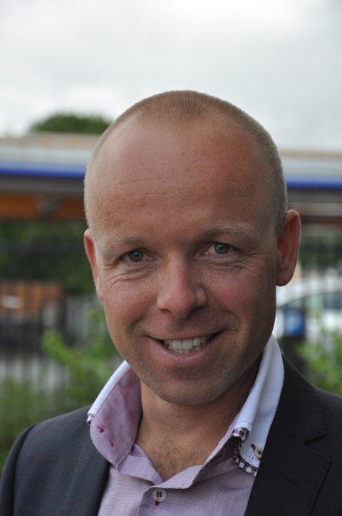 Jan Christian Holm i Lexus Norge er glad for at merket nå kommer til Vestfold. Han snuser også på et par-tre andre byer i Norge.