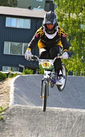 Erik Røseth fra Moss BMX-klubb tok bronse i NM på Sola i helgen, og drar til England for å konkurrere i EM neste helg.