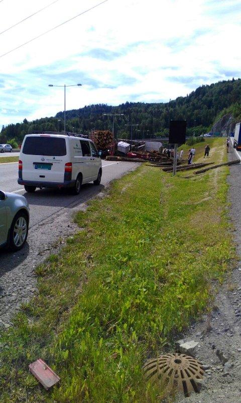 Dette bildet tok Marianne Jørstad få minutter etter at hun fikk rygget vekk fra vogntoget og summet seg etter nesten-kollisjonen.