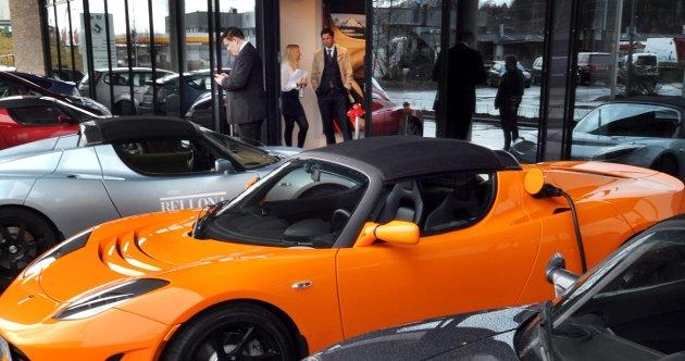 Tesla har etablert showroom og verksted i Oslo.