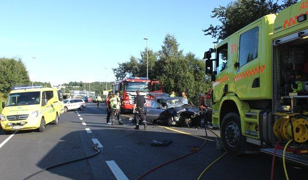 To biler var involvert i denne trafikkulykken på E16 ved Rud litt før klokken 18 fredag.