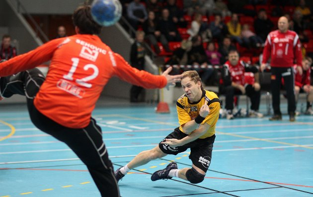 Kampen mellom HK Herulf Moss - ØIF Arendal endte med uavgjort, til tross for at bortelaget på det meste ledet med syv mål. Andrejs Kuzmins.