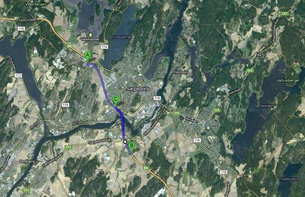 Mannen skal ha blitt observert i det han kjørte ut på E6 ved Quality på Grålum (A). Han kjørte i feil retning helt til Årum (B) før han snudde og ble stanset ved Sandesund (C).
