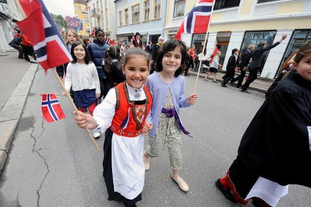 Ida Nornes (7, t.v.) og Linn Abisaab (7) fra Skagerak.