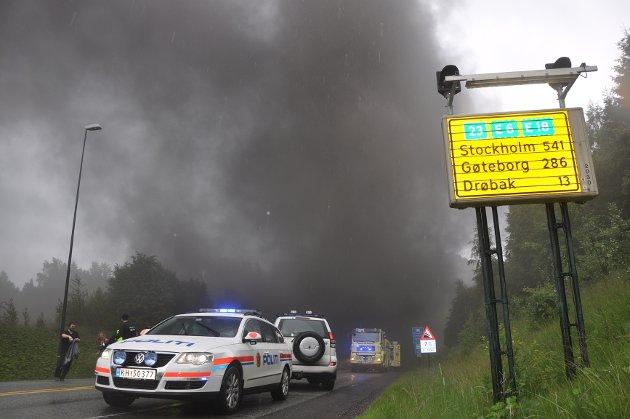 Det ble dramatisk etter at en lastebil tok fyr nær bunnen av Oslofjordtunnelen 23. junu, og røyk veltet ut av begge tunnelåpninger.