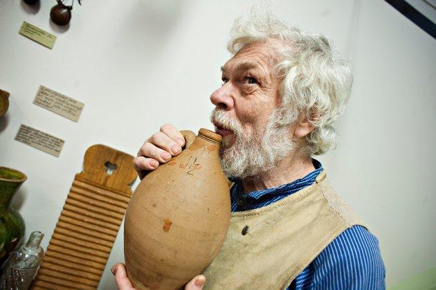 Sverre Jensen har utstilling av instrumenter på Follo museum.