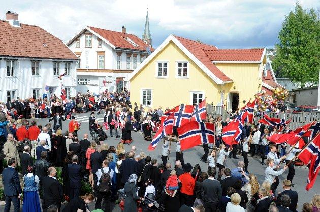 Borgertoget sett fra Dag Solstads plass og Villa Kultura.