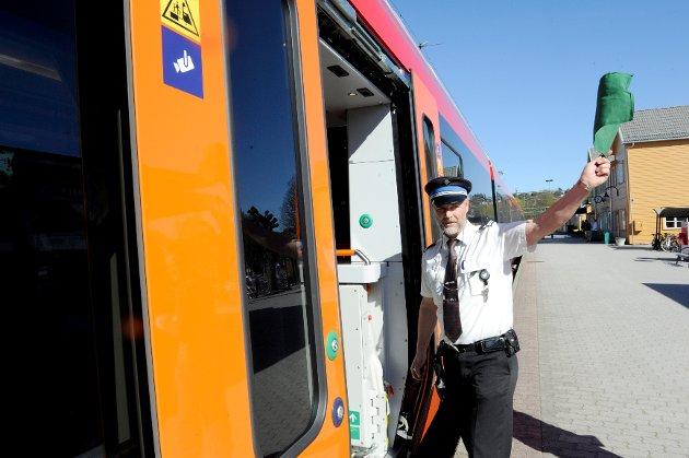 De nye Flirt togene er satt i rute på Vestfoldbanen. Den første offisielle ankomst var i rute.