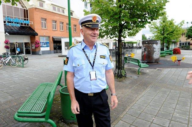 Politistasjonssjef i Sandefjord, Brian Jacobsen, forventer mye folk i helga. Foto: Kurt André Høyessen