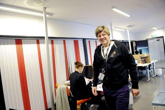 SHOW PÅ SKINNER: Prosjektleder Ottar Eide organiserer nær 400 frivillige i og rundt MGP-delfinalen i Larvik. – Vi er i rute, lover han.  Foto: Anne Charlotte Schjøll
