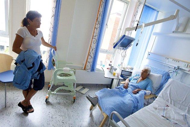 DRAMATISK: Brit Helen Gudvangen ble gjenopplivet to ganger etter at hun ble sendt hjem fra legevakten med hjerteinfarkt. Datteren Benthe Gudvangen er skuffet over at legen ikke får en advarsel. Arkivfoto: Peder Gjersøe