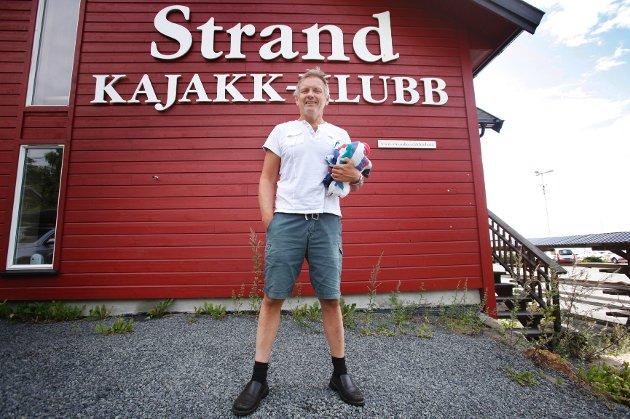 Einar Rasmussen måtte i kajakken og roe nervene etter Eirik Verås Larsens imponerende OL-gull.