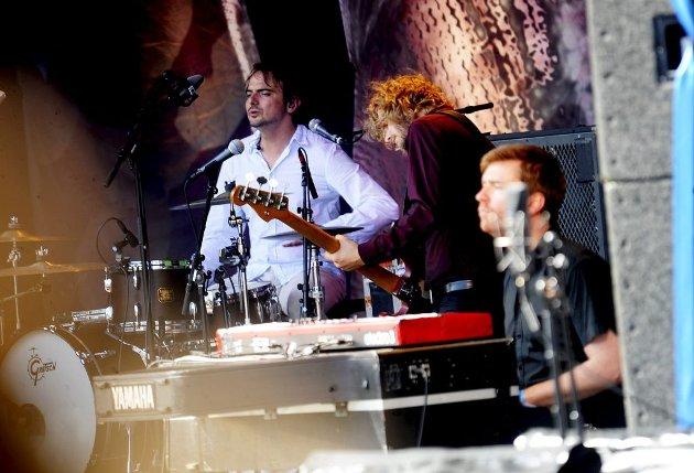 FESTIVALBASS: I 2009 var Even Ormestad (i midten) bassist for Marit Larsen på Slottsfjellfestivalen. Foto: Anne Charlotte Schjøll