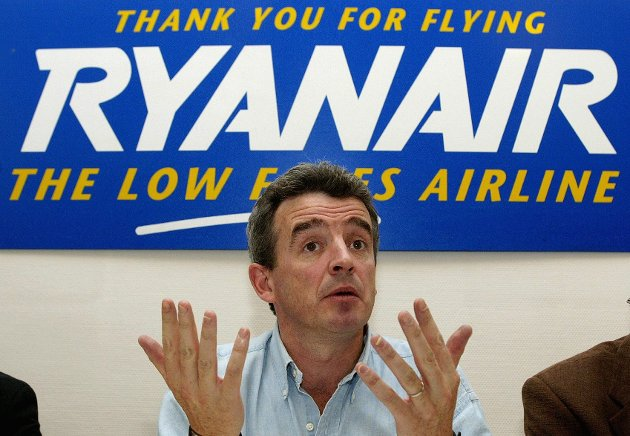- Vi tar ikke den regningen, sier Ryanirs toppsjef Michael O'Leary om vedtaket i EU i april, som sier at flyselskapene heretter må tilby sosiale ytelser og forsikringer i landet hvor piloter og kabinansatte har base. Arkivfoto