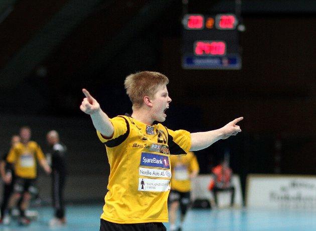 Kampen mellom HK Herulf Moss - ØIF Arendal endte uavgjort, til tross for at bortelaget på det meste ledet med syv mål. Her feirer Herulfs Stian Gabrielsen en scoring.