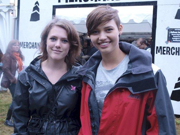 Ingrid Margrethe Feilberg (17) og Sara Helene Bergheim (16) fra Tønsberg.