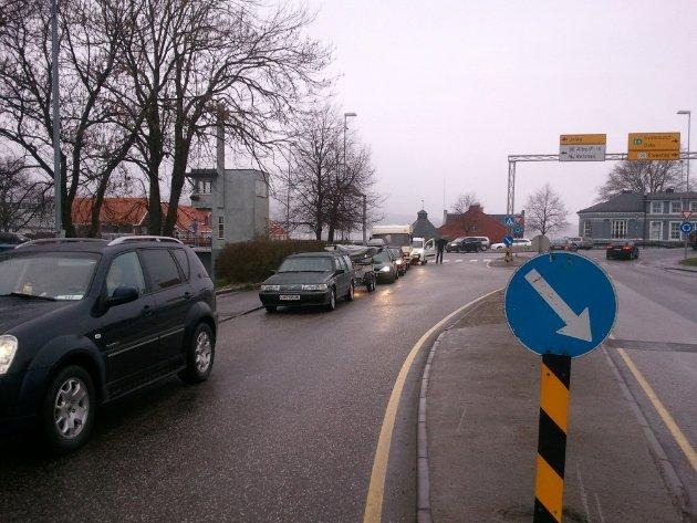 Ifølge Odd-Gunnar Røed i Moss, skal bilistene ha blitt frustrerte etter å ha stått i fergekø i over 50 minutter.