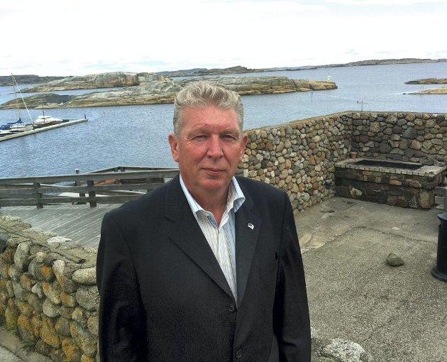 VIL BEHOLDE: – Boplikt er best for Tjøme, sier ordfører John  Marthiniussen. Foto: Terje Wilhelmsen