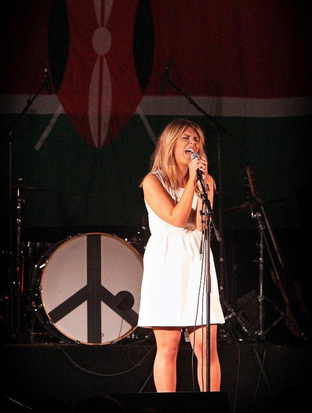 Ungdomsstyret til LAKK samarbeidet med The Cherity Crew, Lakk barnekor, Kor for Afrika og DanseakademietGG om en stor veldedighetskonsert i Larkollhallen. Stine Kristiansen.