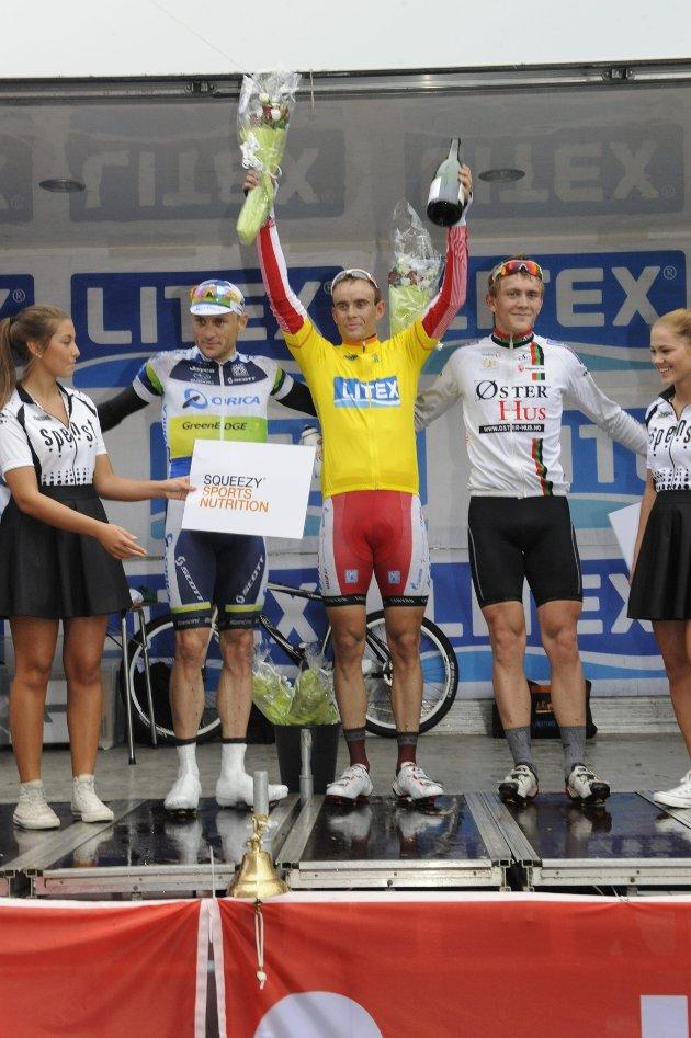 Baden Cooke nr. 2 (til venstre), Alexander Kristoff nr.1 og Phan Åge Haugård nr. 3. Sandefjord Grand Prix 2012.