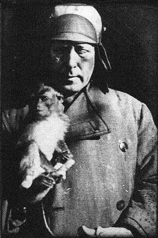 Dr Christensen var ekstremt glad i dyr og hadde håndlag med dem.