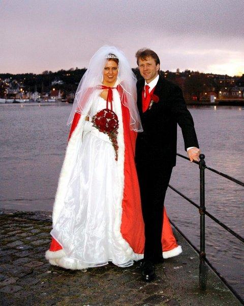 Anette Høyer og Sigurd Stenersen ble viet i Fredrikstad domkirke 20. desember.          Foto: Fotografene i Fredrikstad