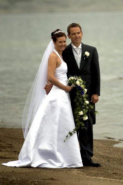 Annica og Petter Samuelsen giftet sge i Resö kirke 6. september.          FOTO: SKJALG BØHMER VOLD