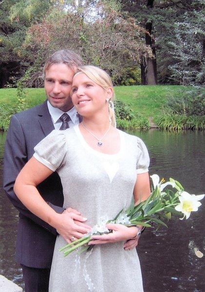 Catrine Spro Wernersen og Regin Wernersen giftet seg i den norske ambassaden i Berlin 18. september.