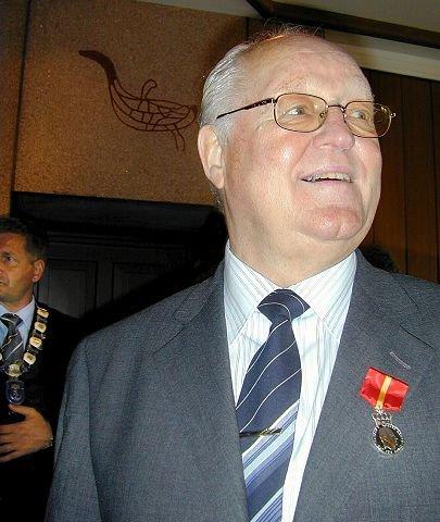 Arne Langlie Andersen (76) var en av tre som tok initiativet til å bygge banen i grustaket på Lyngås. Han var med i 20 år før han ga seg i 1992.