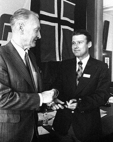 1978. Under Frps landsmøte dette året overtar Carl I. Hagen som formann etter Arve Lønnum.