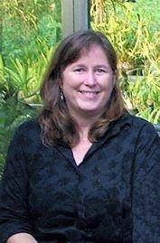 Christine Faye, en av dagens eiere av Waimea Plantation Cottage på Kauai, og oldebarnet til Hans Peter Faye Drammen. Foto utlånt av Christine Faye.