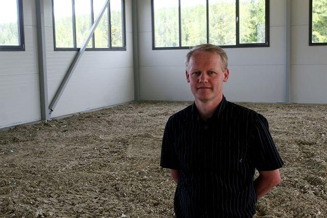 Fornøyd: Bernt Aksel Larsen fra Horze Norge AS er sikker på at hestesenteret blir et populært tilbud.