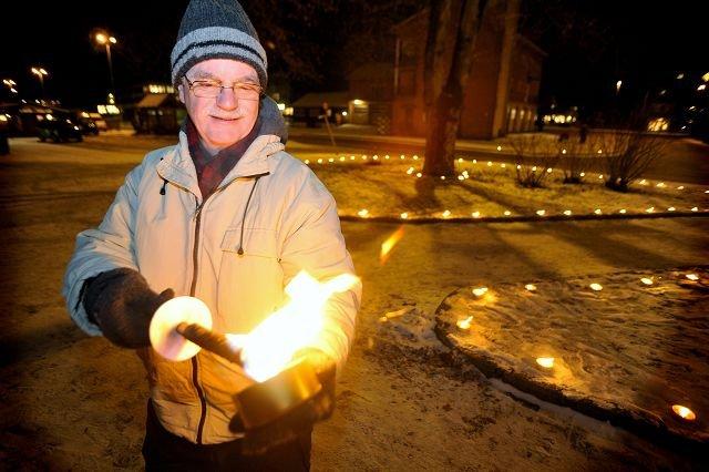 Det er viktig med lys på årets mørkeste dag, mener Bjørn Haugen.