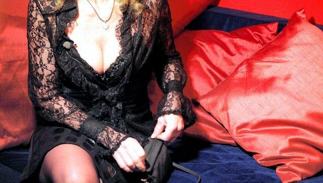 SEXHANDELDe fleste sexannonsene i Østfold er knyttet til Fredrikstad. Damene anonserer på nettet og opererer fra hoteller. Det er bare å ringe og bestille time. arkivfoto: scanpix