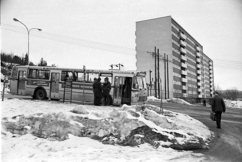 Bybussene fikk nye holdeplasser og nye ruter gjennom Fjellområdet som nå begynte å bli ferdig utbygd.