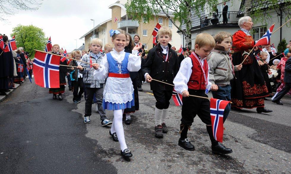 Jenny Kval fra Vesterøy skole så noen hun kjente i toget.