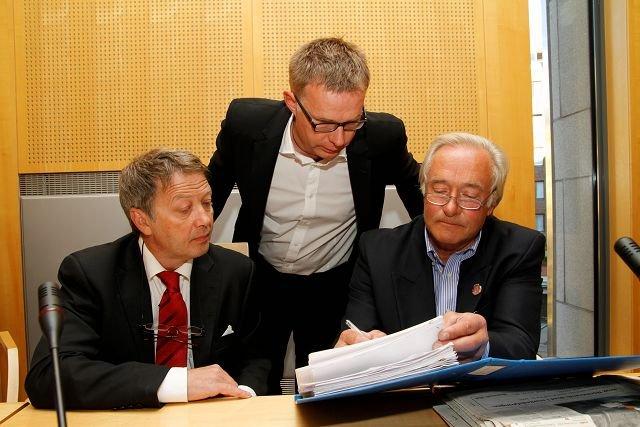 Rune Haaland, Frank-Hugo Storelv og Knut Chr. Hallan hevder nødrett etter en rekke aksjoner i forbindelse med dypvannsdeponiet. Tirsdag får de dommen.