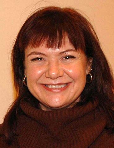 Elizabeth Skogrand, leder av hovedutvalg for utdanning i Buskerud, syns elever som ønsker å ta opp fag fra ungdomsskolen skal få lov til det.
