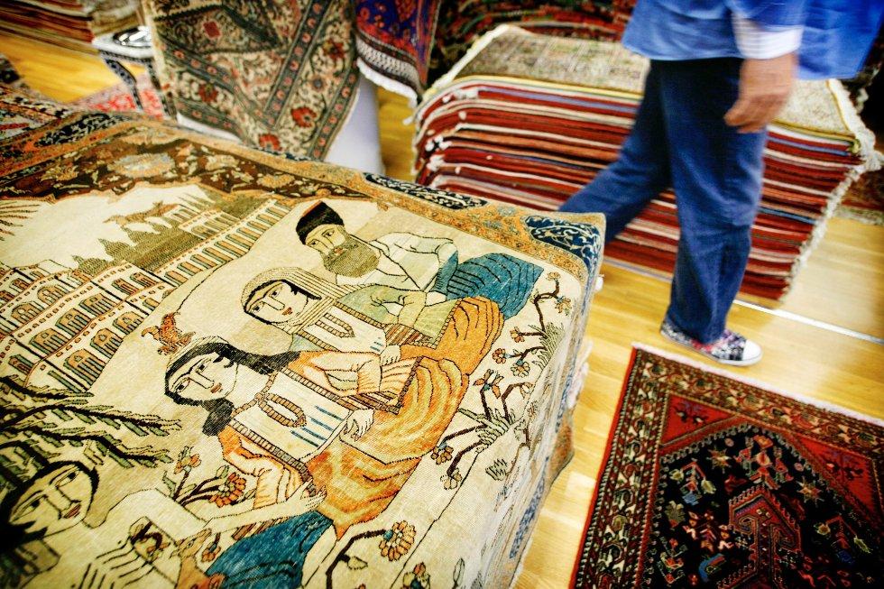 Hos Maktabi Tepper får du både brukskunst og investeringsobjekter. De eldste teppene er mest verdifulle. Dette teppet er 110 år gammelt og koster 90.000 kroner.