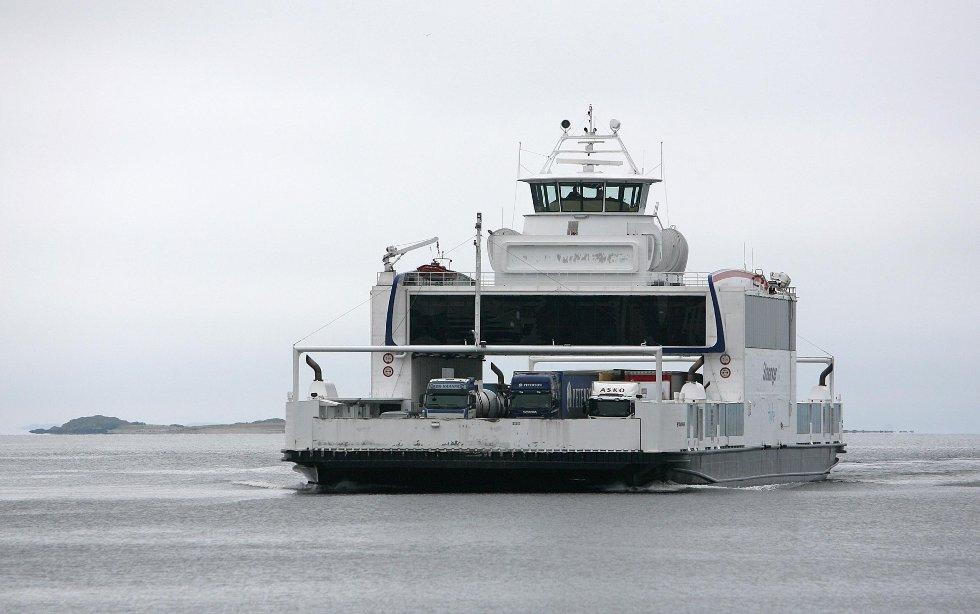 På grunn av sterk vind innstilles resten av dagens avganger med MF Stavanger. Sambandet trafikkeres av fire ferger.