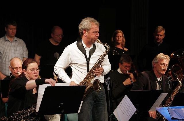 Jazzfestival i Stabæk Kulturhus     Grav Storband med Thor Erik Musæus