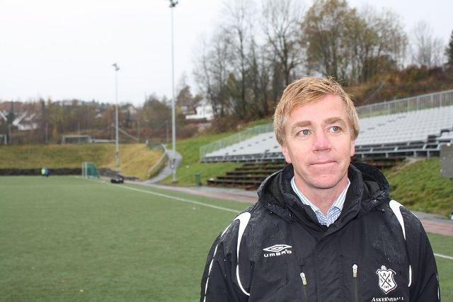 Arne Knoph, daglig leder i Asker Fotball Herrer, er glad for at kampfiksingssaken nå blir ordentlig belyst.