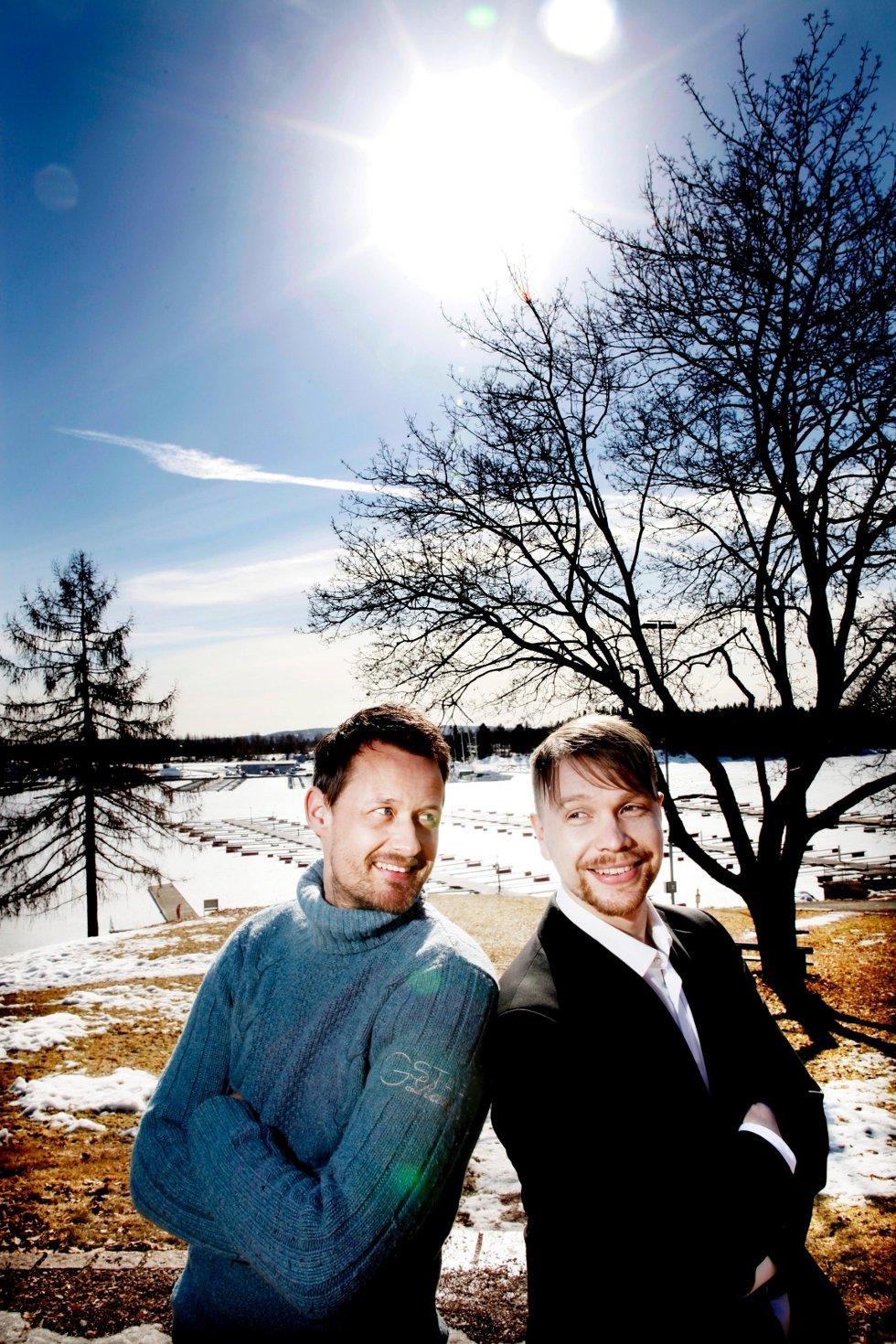 Kokk Øyvind Hjelle (t.v.) blir vår nye matekspert, mens vinkelner Robert Lie blir vår nye vinekspert.